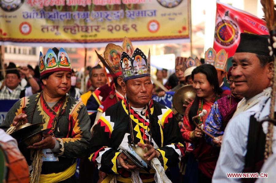 Гурунги в национальных одеждах в Катманду - Кто такие гуркхи | Военно-исторический портал Warspot.ru
