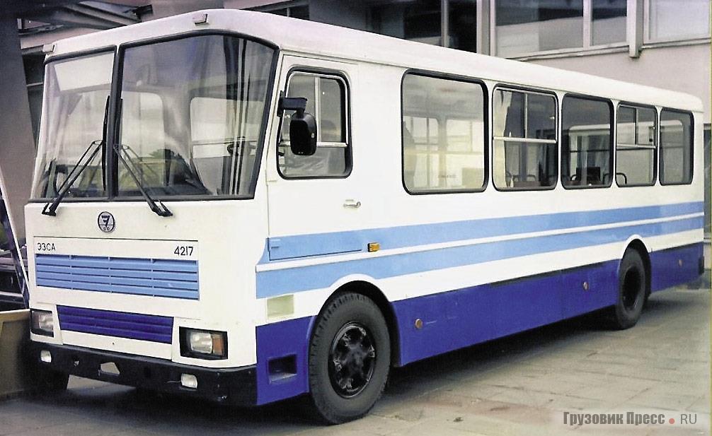 Автобус ЭЗСА-4217 представлял собой модернизированный вариант городской «Альтерны», 1997 г.