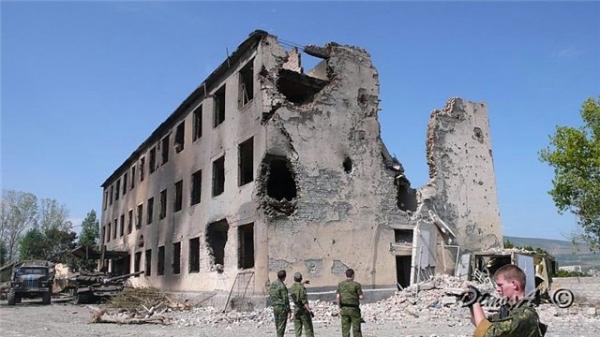 Жизни в обмен на НАТОвские перспективы для Грузии: как в 2008 году началась пятидневная война.