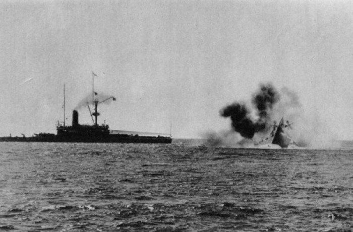 Пожалуй самая знаменитая катастрофа Английского ВМФ