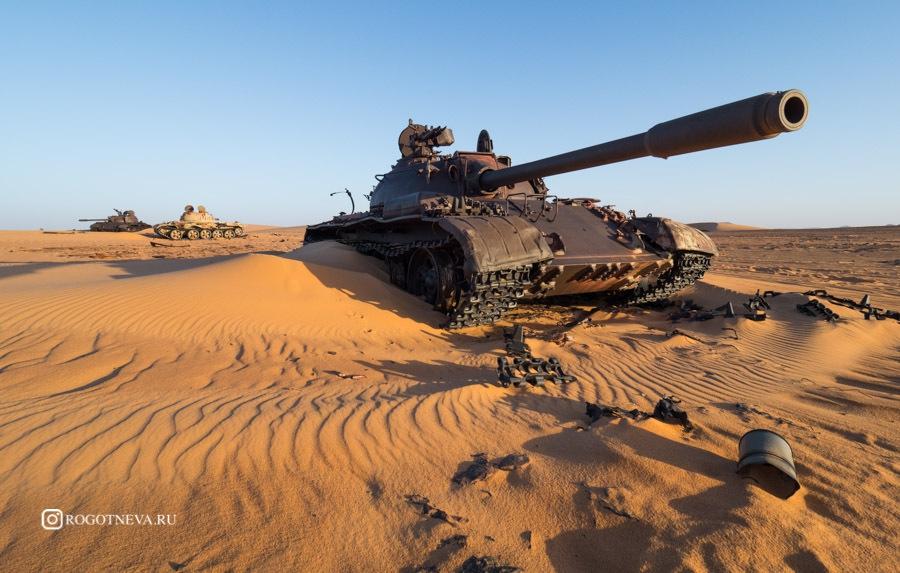 Танки в Сахаре