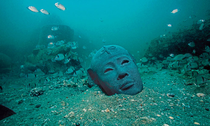 Исследования длились шесть лет, пока археологи объявили о том, что удивительная находка - это мифический Гераклион.