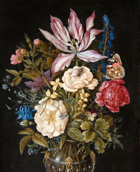 Самый красивый цветок находится в верхней части натюрморта. | Фото: atlasobscura.com.