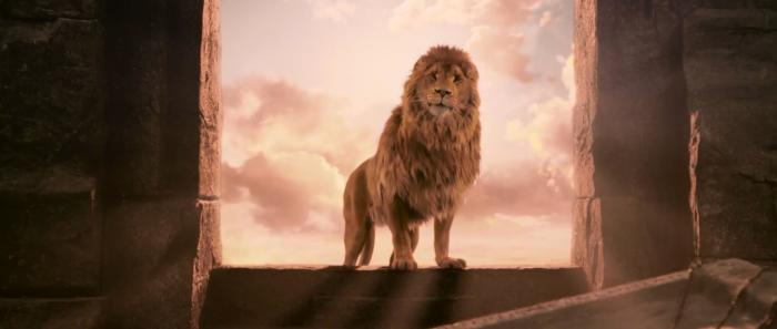Кадр из фильма «Лев, Колдунья и платяной шкаф», сцена воскрешения Аслана