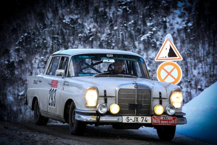 Олень на капоте «Волги» ГАЗ-21 и другие серийные убийцы пешеходов