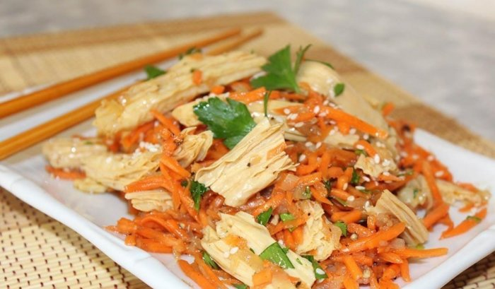 Фучжу – на самом деле не спаржа, а соевый продукт. /Фото: p-ifashion.com