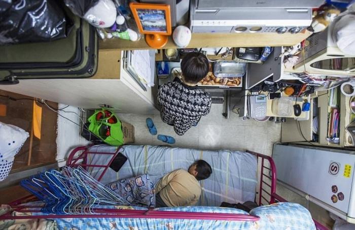 Квартиры для семьи имеют площадь 9 кв.м. («coffin homes», Гонконг). | Фото: dailymail.co.uk.