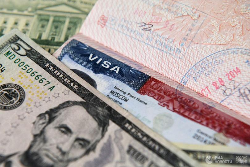 Хочешь американскую визу - покажи соцсети. В США ужесточили миграционные правила