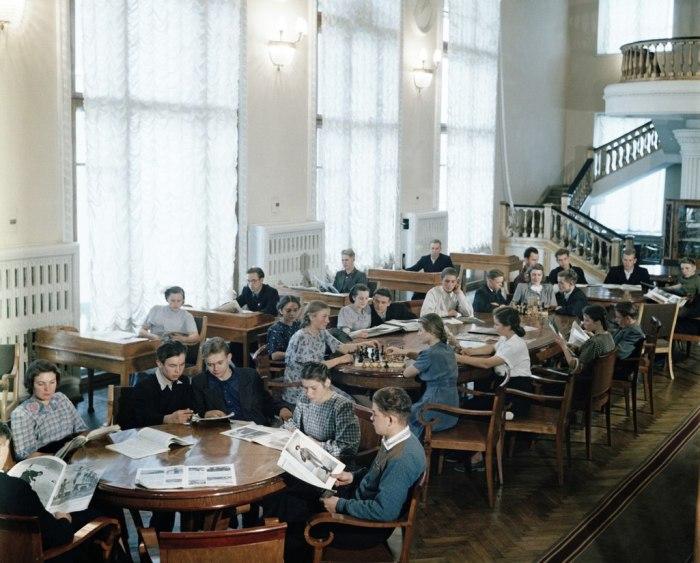 Шахматы имели огромную популярность. /Фото: cont.ws