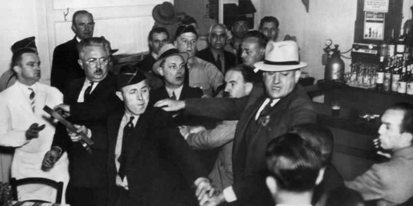 Кто кого: еврейские гангстеры против американских нацистов