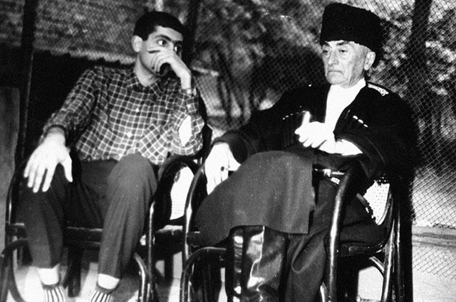 Звиад Гамсахурдиа с отцом, 1972 г. Фото: РИА Новости/ Нино Мелия