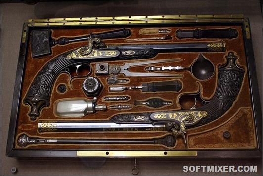 800px-Dueling_pistols