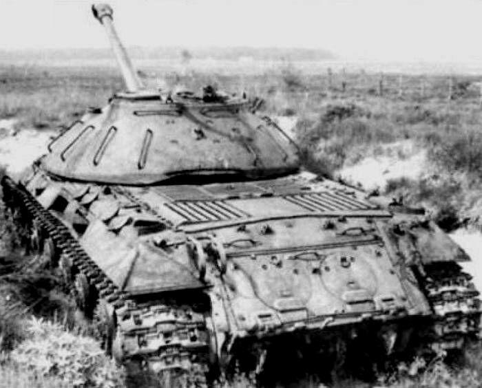 Танк в оборонительной позиции. /Фото: mirtesen.ru