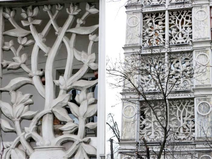 Предполагалось, что такая красота будет по всей Москве, но после войны ажурные дома строить передумали. /Фото: berlogos.ru