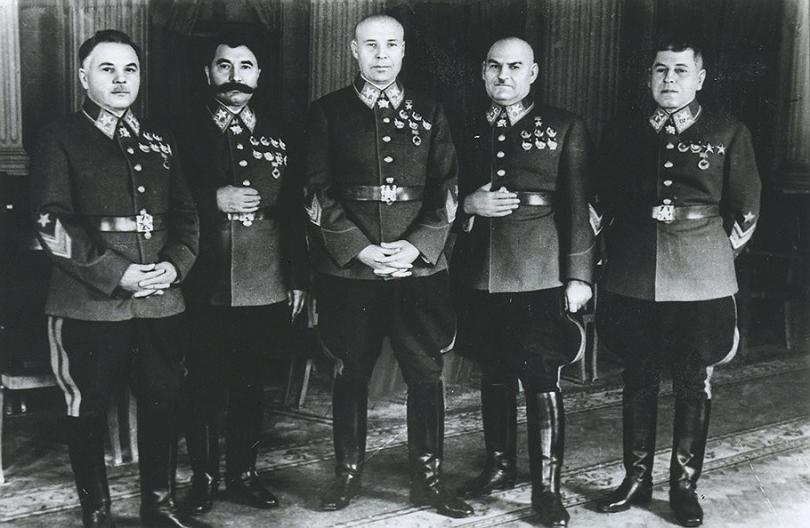 Маршалы Сталина (Григорий Кулик второй справа