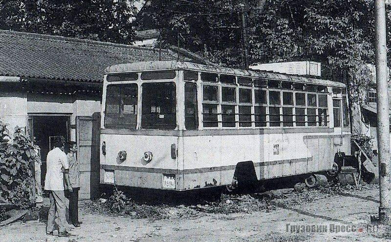 В канун 1980 года английским энтузиастом М. Расселом был найден хорошо сохранившийся троллейбус BHEL Калькутты
