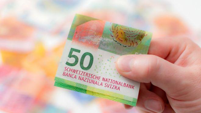 Настоящие деньги — это те, которые можно подержать в руках, считают многие швейцарцы