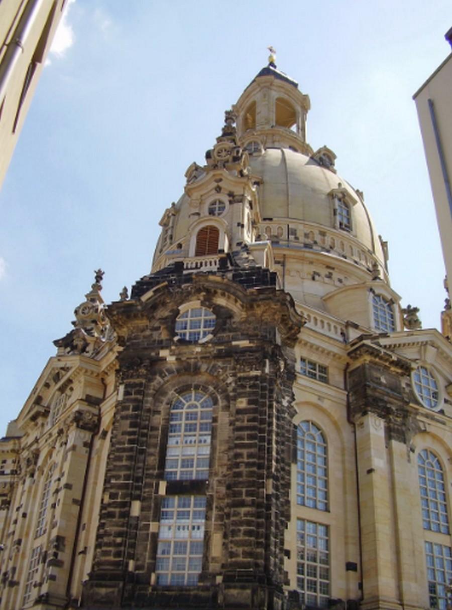 Почему немцы не разделяют истерии по поводу Нотр-Дам-де-Пари