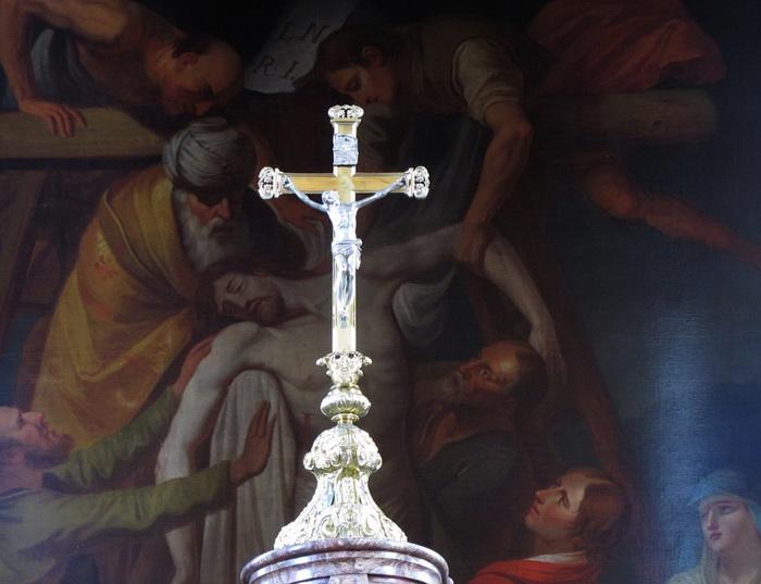 Крестное знамение связано с главным символом христианства
