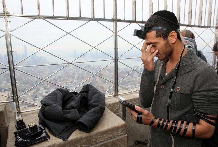 На руку не обязательно. |Фото: uludagsozluk.com.