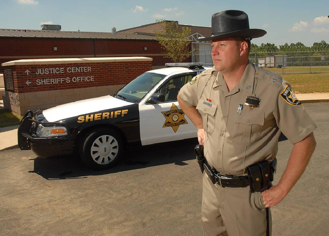 Знаете ли вы, что американский шериф не полицейский?