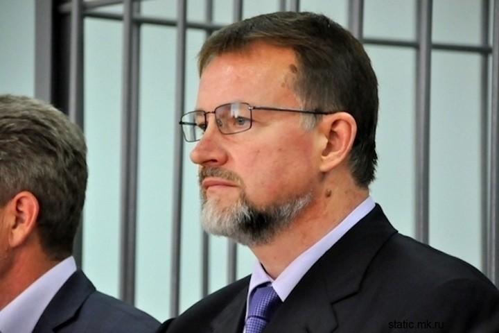12 губернаторов под уголовной статьей