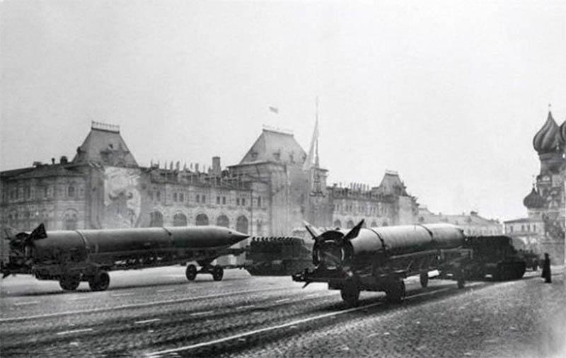 История военных парадов на Красной площади