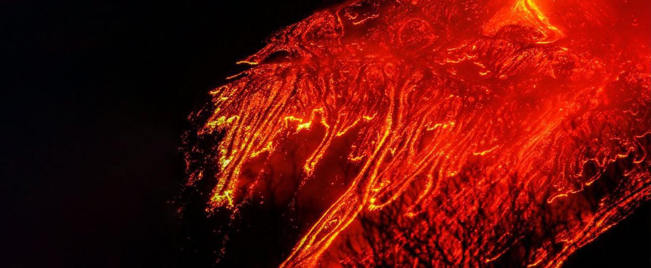 Самое сильное извержение вулкана Этна за 50 лет Вулканы,Италия