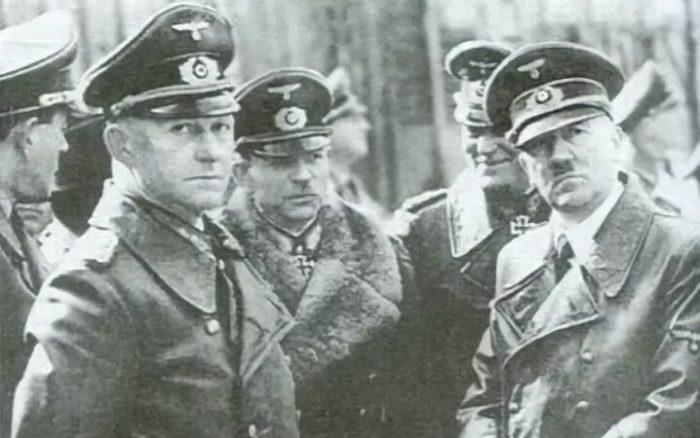 Начальник тайной полиции Генрих Мюллер с Адольфом Гитлером. /Фото: imperhans.ru/