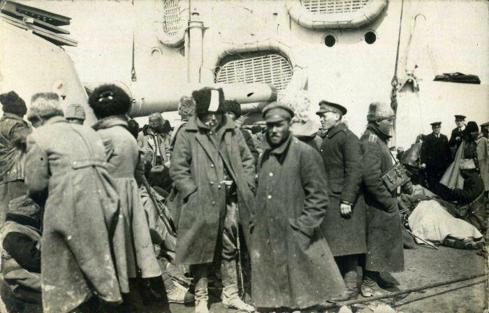 Деморализованные белогвардейцы. /Фото: i.pinimg.com