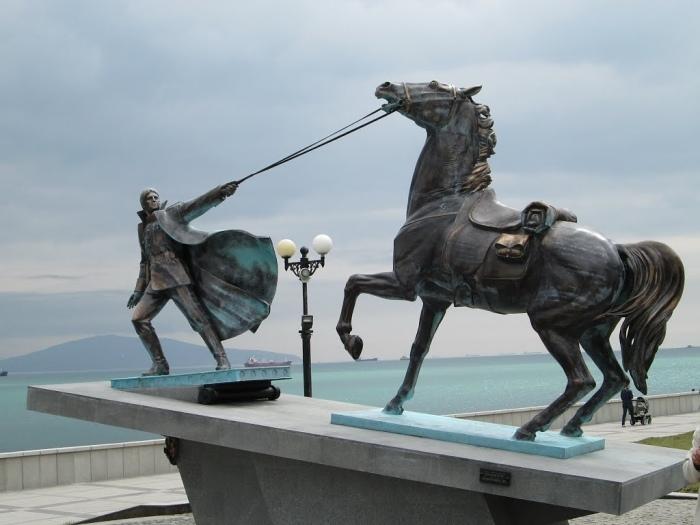 Памятник «Исход». /Фото: pbs.twimg.com