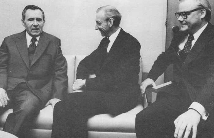 Встреча А.Громыко, К.Вальдхайма и А.Шевченко в приемной Генеральной Ассамблеи. /Фото: coollib.net