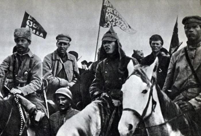 Бойцы Буденного под Майкопом, 1920 год. /Фото: avatars.mds.yandex.net