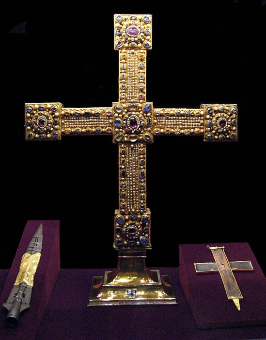 Святое копье, Имперский крест и Животворящий крест. Сокровищница Хофбургского замка