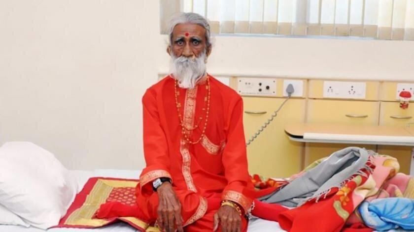 В Индии скончался йог, который не пил и не ел 80 лет