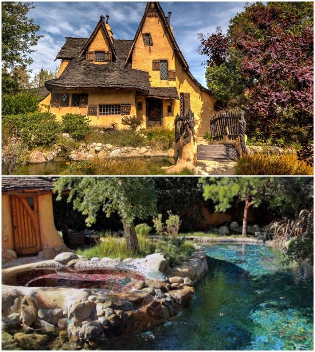 Деревянный мостик, перекинутый через пруд-бассейн с цветущими кувшинками стали украшением участка (The Witch's House, Лос-Анджелес).
