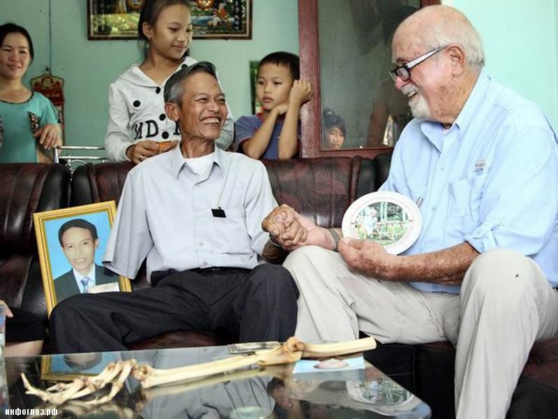 3aaa81f28a224af7a2e93714f5d2bd9c c7d87020f96c5015360f6a7067000b88 Американский врач вернул вьетнамцу его ампутированную полвека назад руку
