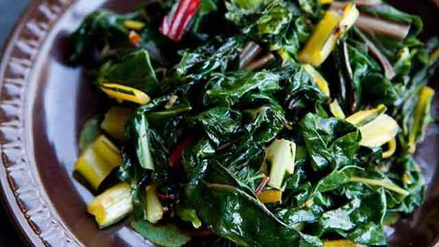 4-swiss-chard-sauteed-in-olive-oil_tn