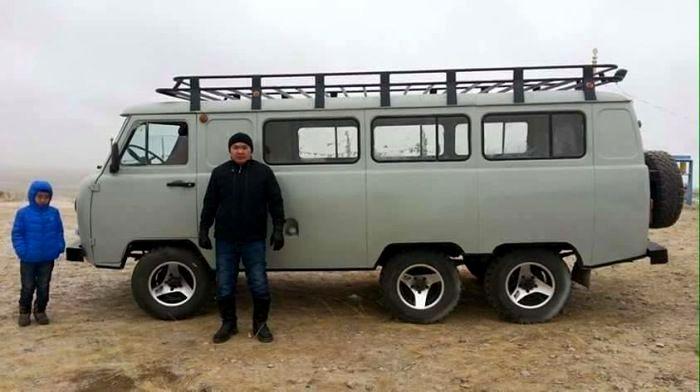 Трехносный УАЗ в Монголии. Современный вид. /Фото: pinterest.ru