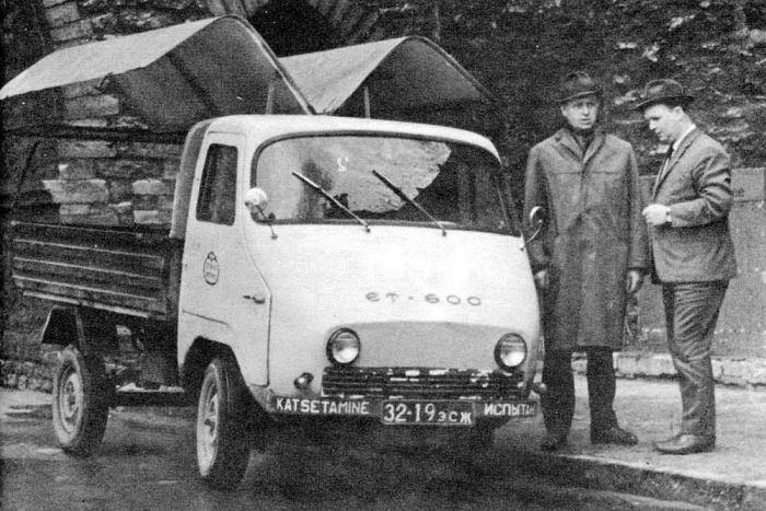 Авторы транспортного средства изначально задумывали не только бортовую модель, но и фургон с необычным открывающим механизмом / Фото: ymorno.ru
