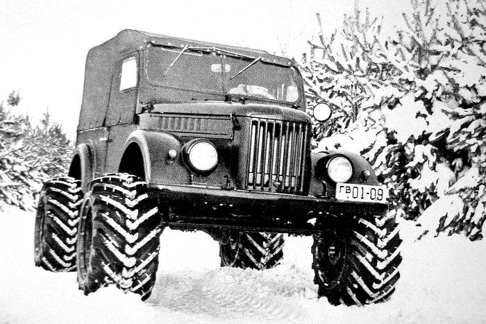 Вездеход ГАЗ-69 на арочных шинах. /Фото: ide.ru