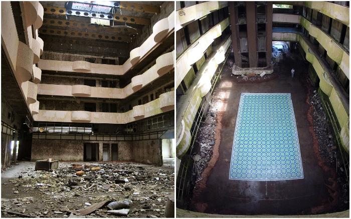 Благодаря стараниям Хавьера де Риба главный холл заброшенного отеля заиграл яркими красками (Monte Palace, Азорские острова).
