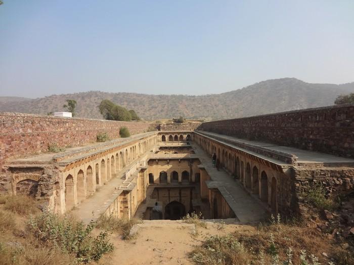 Нимрана Баоли, Раджастхан. /Фото: Victoria S. Lautman