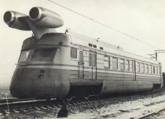 Перед советскими учеными стояла задача разработать поезд с реактивным двигателем / Фото: soloha.cx.ua