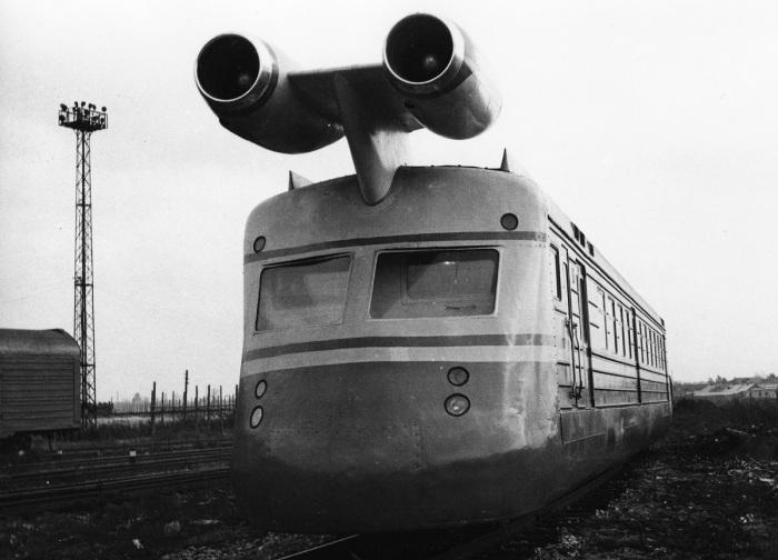 Основой СВЛ стал обычный вагон, который модернизировали при помощи обтекателей и жаропрочной крыши / Фото: trainpix.org