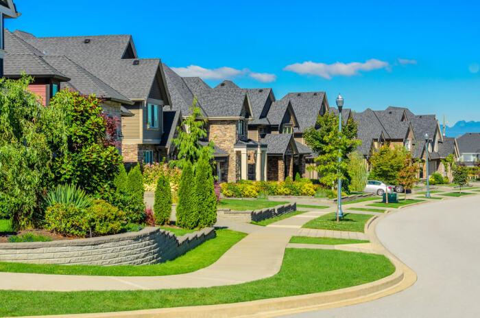 Внешнее оформление дома и участка, газонов, клумб – решение администрации / Фото: woman.forumdaily.com