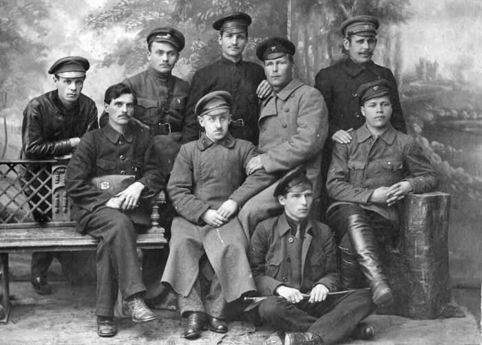 До 1922 года ходили в чем попало. |Фото: dzerginsk.bezformata.com.