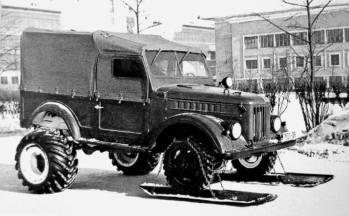 Прототип ГАЗ-69 с передними лыжами. /Фото: ide.ru