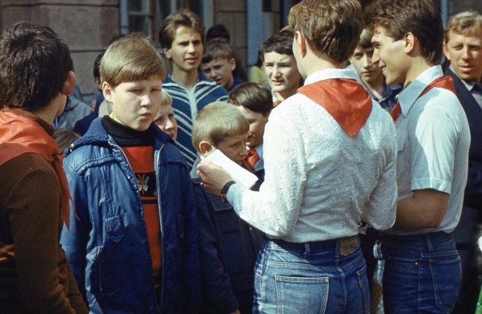 В 80-х годах в СССР начали появляться подделки, но они отличались по качеству пошива / Фото: wowavostok.livejournal.com