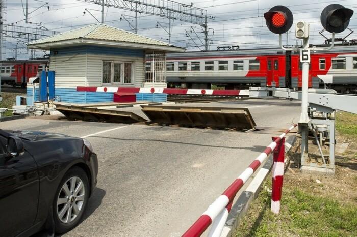 В России ж/д дороги – это пути общего следования, по которым ходят и пригородные электрички, и грузовые составы, и скорые пассажирские поезда / Фото: ok.ru